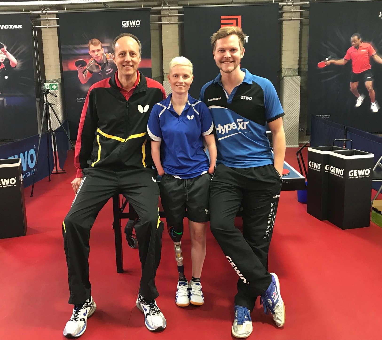 Bundestrainer der Nationalmanschaft beim Tischtennistraining Hamburg
